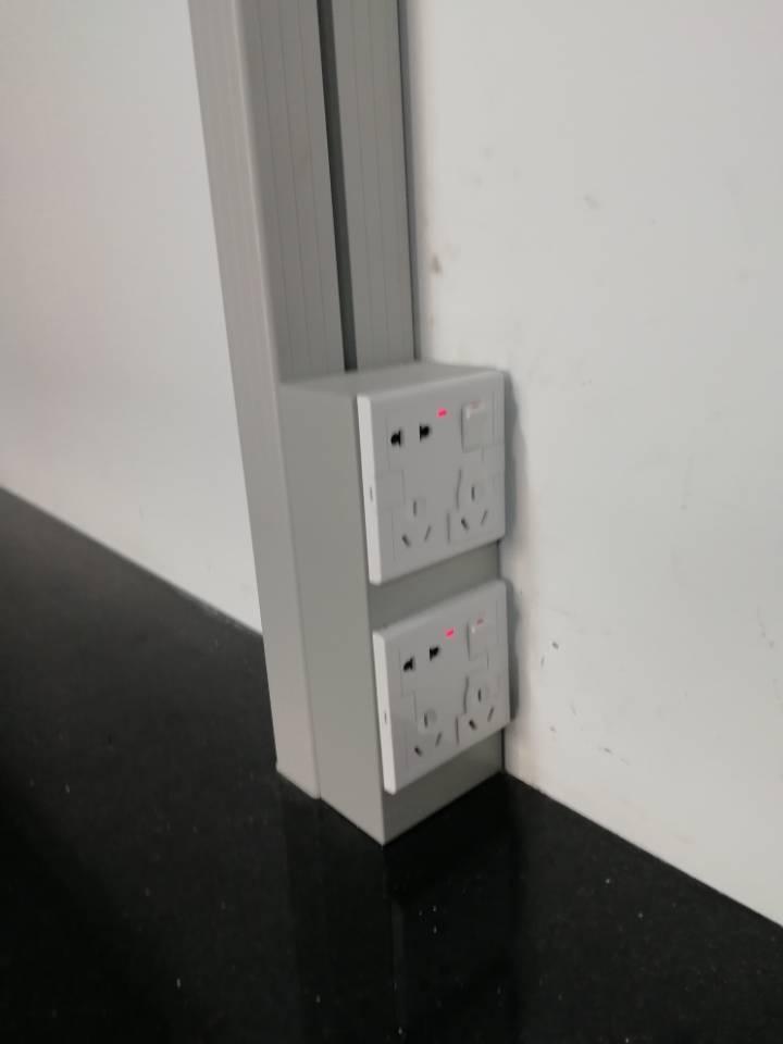 实验室专用钢制立式插座